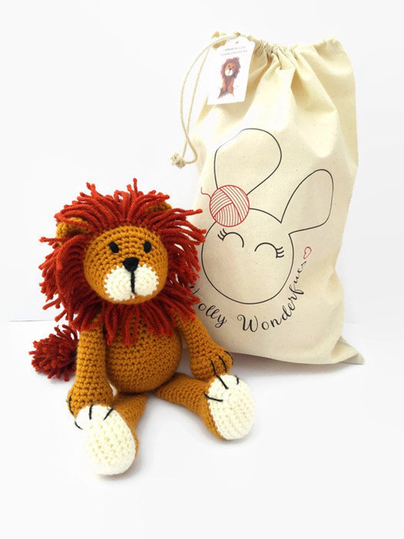 Crochet Kit  Alfred the Lion Luxury Complete Kit image 0
