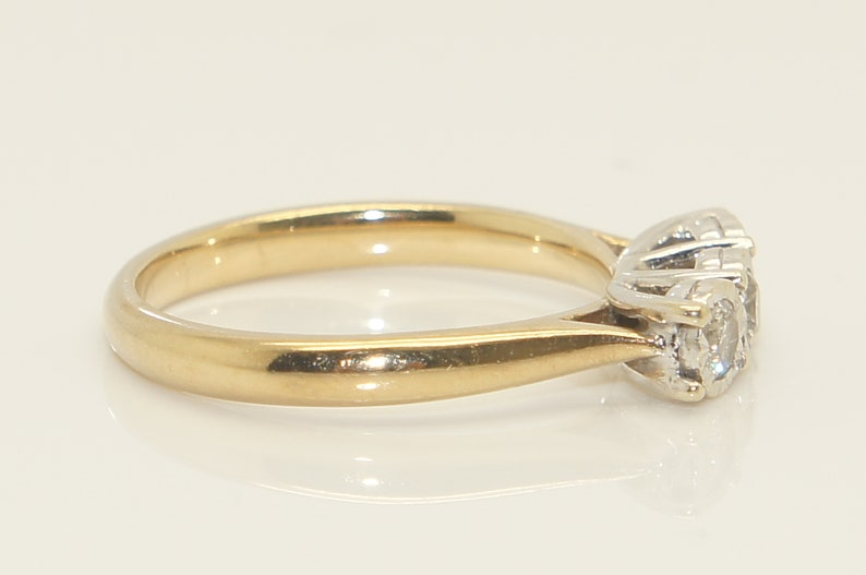 Unusual Vintage 9Ct Gold Trilogy Diamond Engagement Ring Size O