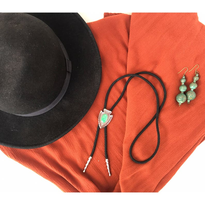 Arrowhead Bolo Pendant Neck Tie