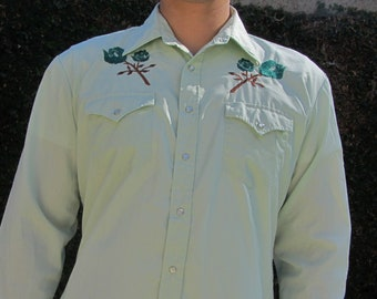 96e77f17148 Men's Youngbloods Western Shirt, Embroidered Roses, Green, Vintage 70s