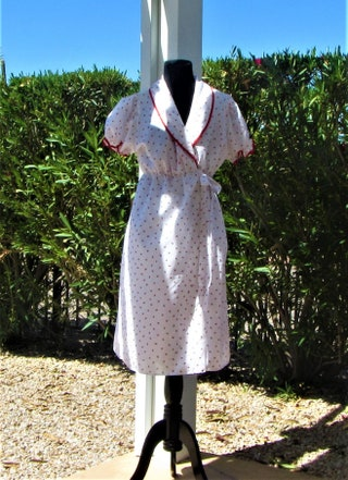 Warm Weather Robe and Gown Set, Strawberries wRed Trim, Medium, Vintage 80s
