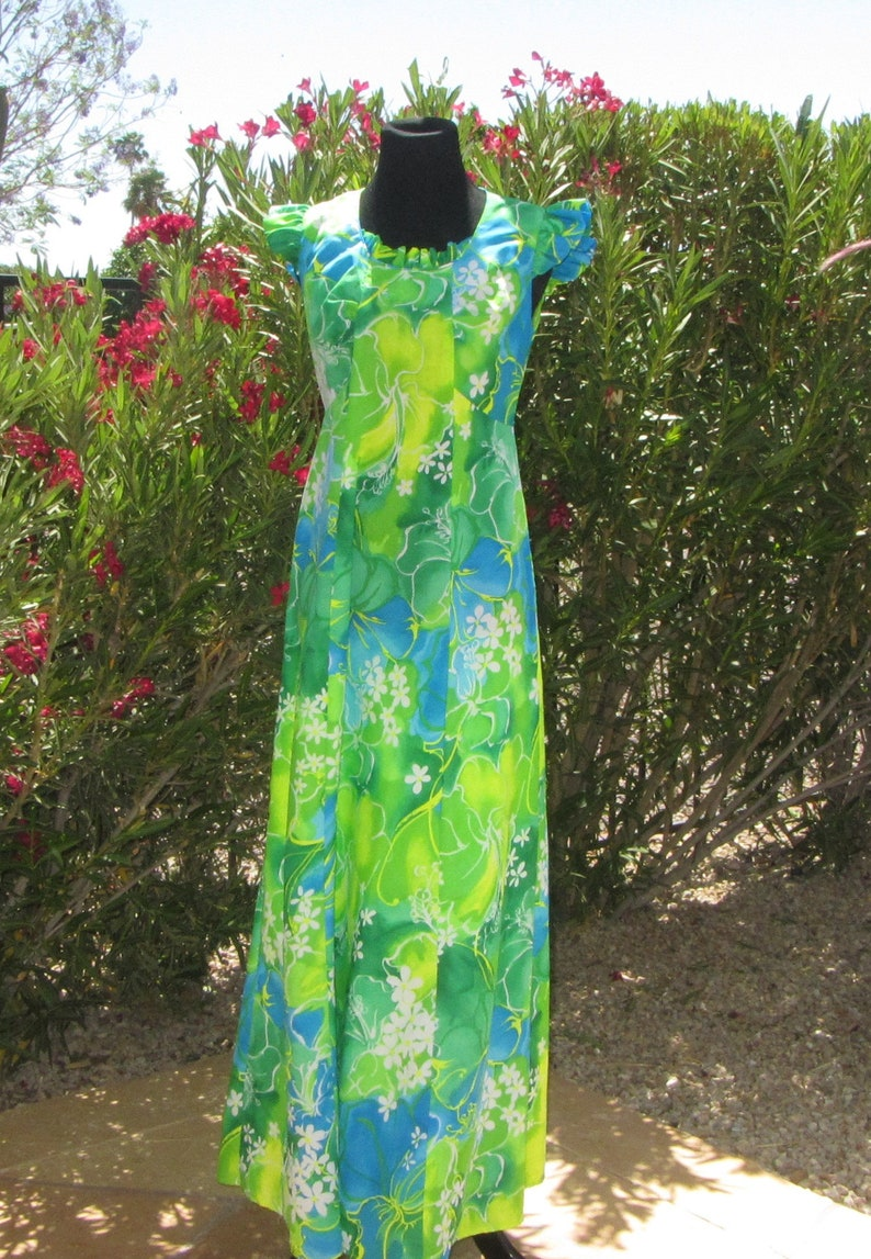 cd67beab4950 Hawaiian Muumuu Full Length Empire Waist Hukilau Fashions   Etsy