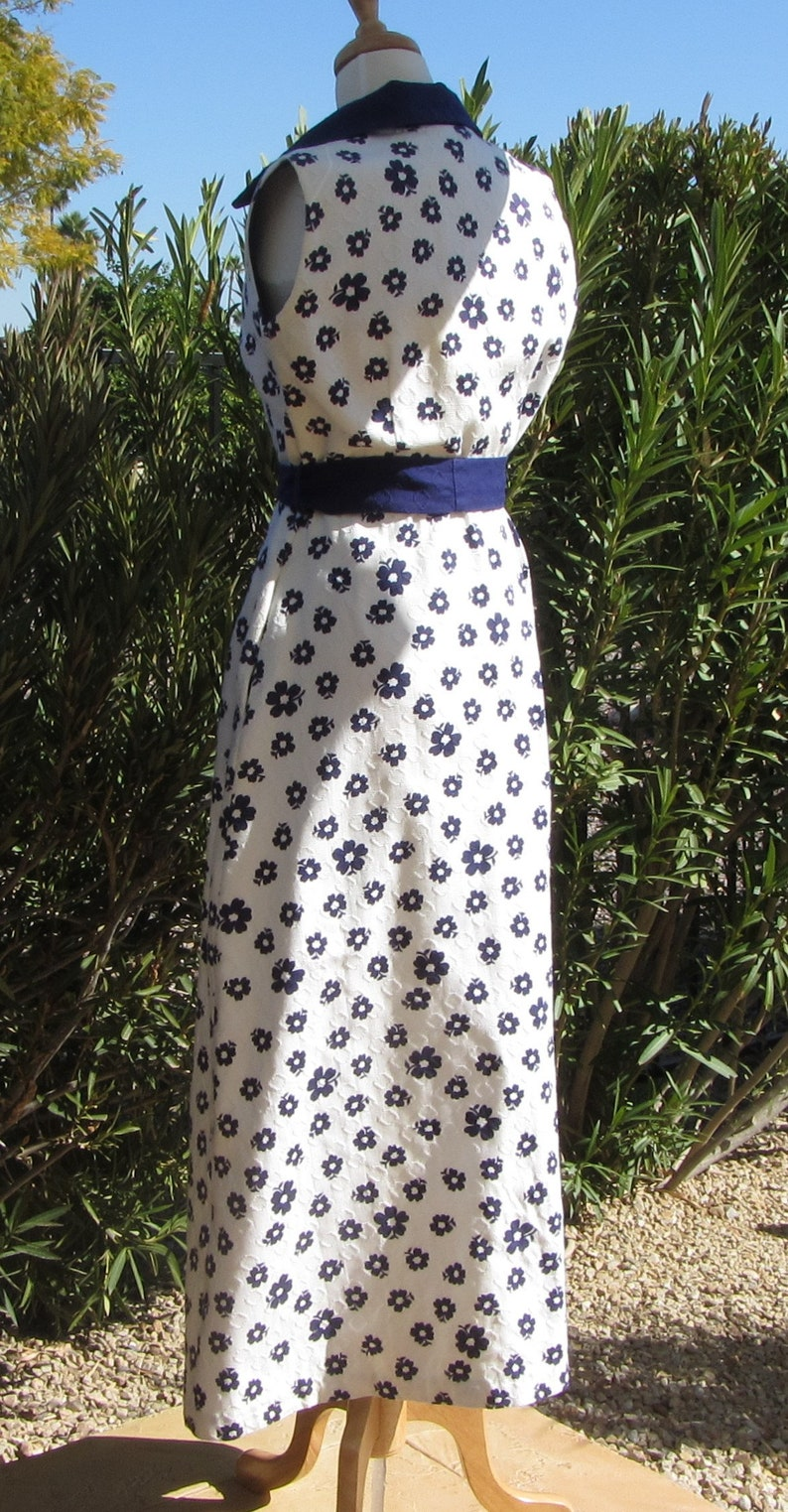 Saybury Vintage 60s Front Zipper Full Length Textured Cotton Hostess Dress White with Blue Flowers Sleeveless