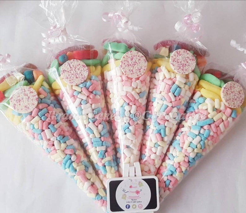 RED Large Cone Bags /& Ties Valentines Party Birthday Favours Treat Gift Sweets