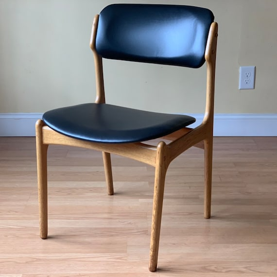 ONE Erik Buch Dining Side Chair by OD Mobler in OAK and Black Leather, side  chair, desk chair, bedroom chair