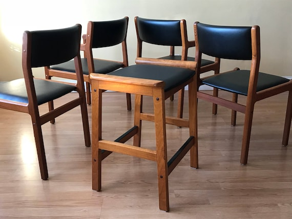 Fantastic Set Of 5 J L Moller Dining Chairs And Bar Stool Two Side Chairs Two Armchairs And One Bar Stool Gamerscity Chair Design For Home Gamerscityorg