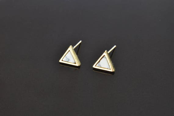 2pcs Gold-White Turquoise Triangle Stone Post Earring -E3821-G-WH