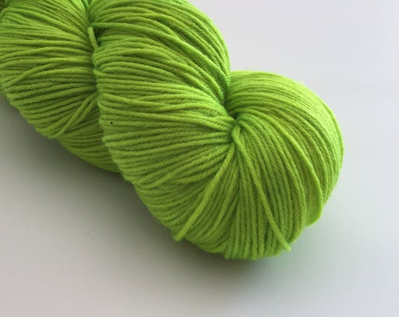 Cor' Limey - hand-dyed green 4ply sock yarn - 100g