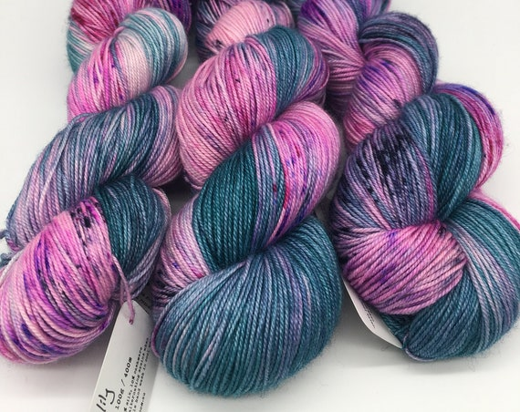 Water lily - hand-dyed variegated speckled merino cashmere silk yarn - 100g (400m)