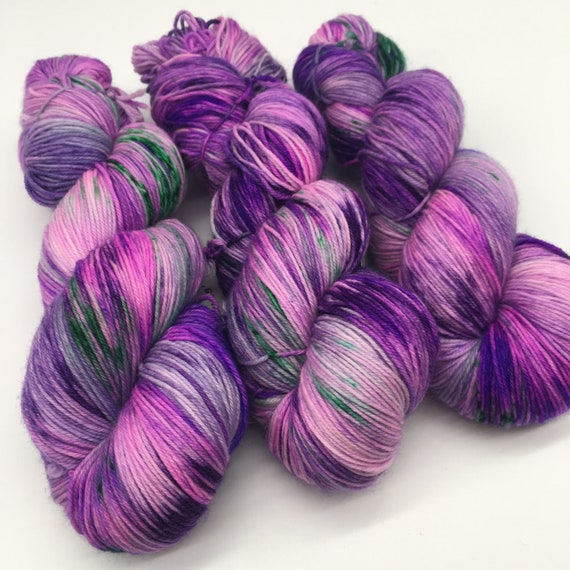Magic happens - hand-dyed variegated 4ply sock yarn - 100g