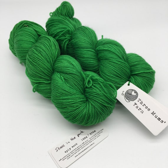 Stroll in the park - hand-dyed 4ply sock yarn - 100g