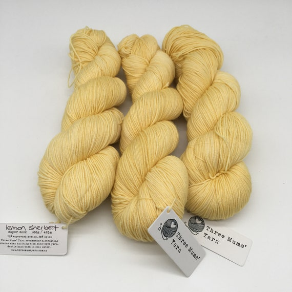 Lemon sherbert - hand-dyed semi-solid yellow super sock yarn - 100g (425m)