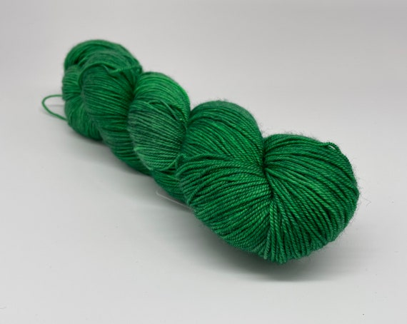 Rolling greens - hand-dyed semi-solid green merino cashmere silk yarn - 100g (400m)