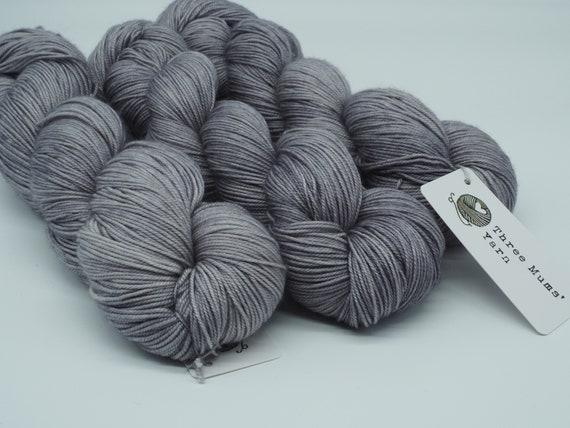 Snow clouds - hand-dyed tonal merino cashmere silk yarn - 100g (400m)