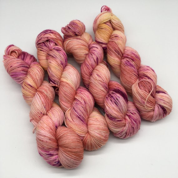 Tickle fight - hand-dyed, speckled sparkle sock yarn - 100g (400m)