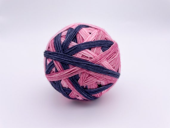 Not your average ballerina - self-striping hand-dyed yarn - 100g (425m)