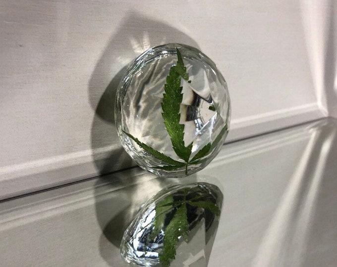 Weed Leaf Diamond Crystal 1