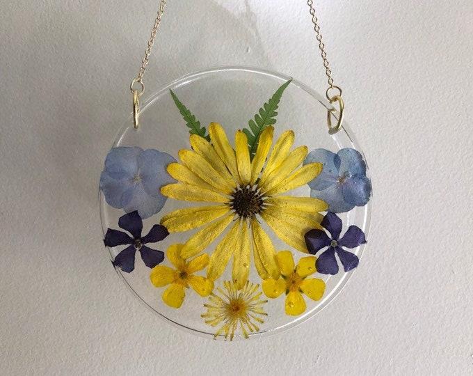 Daisy, Hydrangea, Fern, Periwinkle, Buttercup and Dandelion Flower Round Sun Catcher - Gold Chain