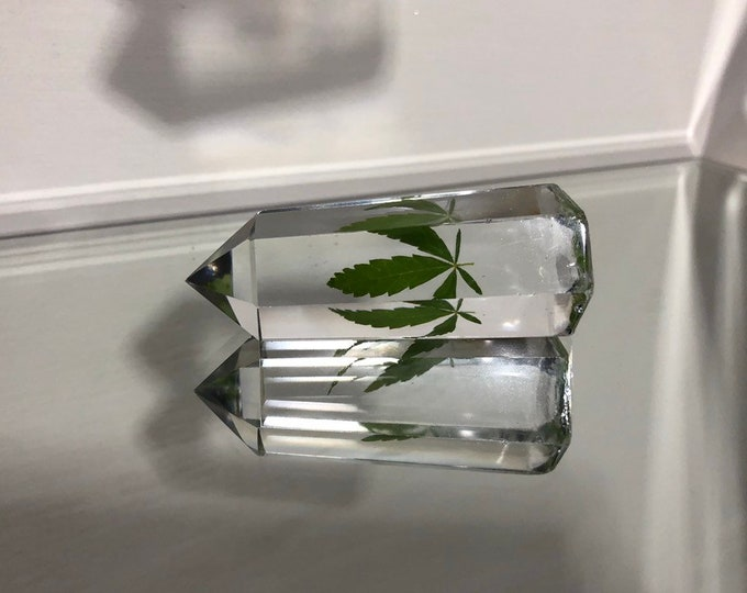 Weed Leaf Crystal Tower 6