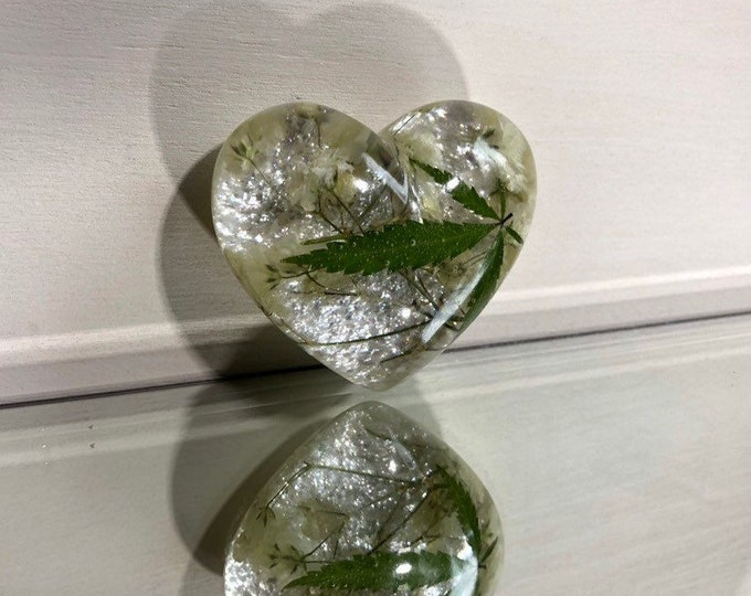 Weed Leaf & Baby's Breath Flower Heart Crystal with Chroma Opal Dust