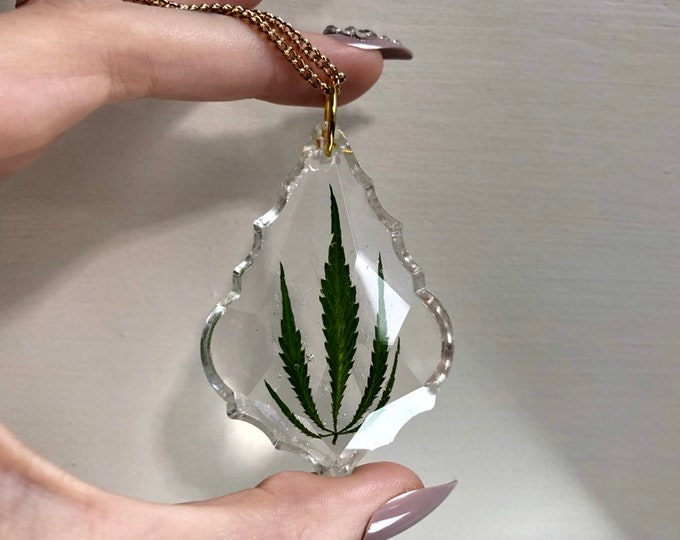Weed Leaf Prism Crystal Light Catcher 1 - Gold Chain