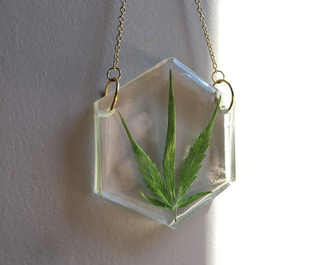 Weed Leaf Hexagon Sun Catcher 2 - Gold Chain