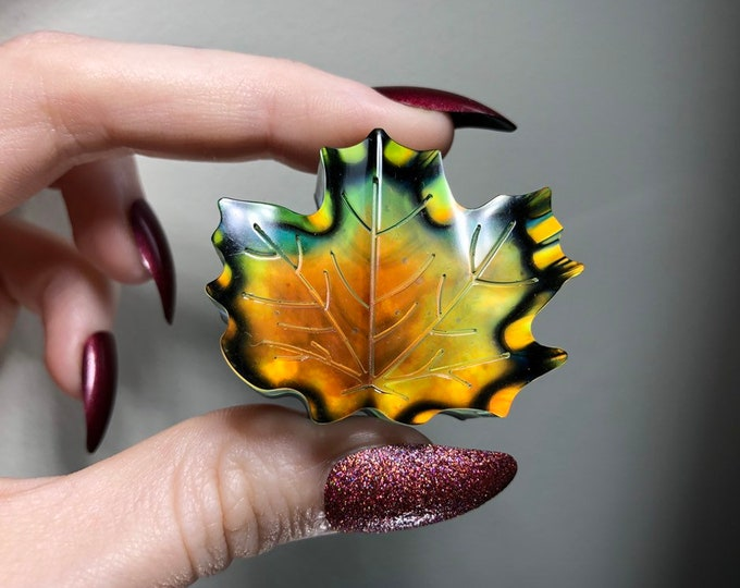 Mood Leaf Crystal 4 - Colour Changing - Changes 12 Different Colours