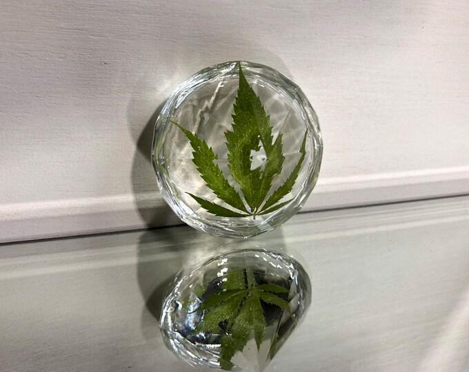 Weed Leaf Diamond Crystal 2