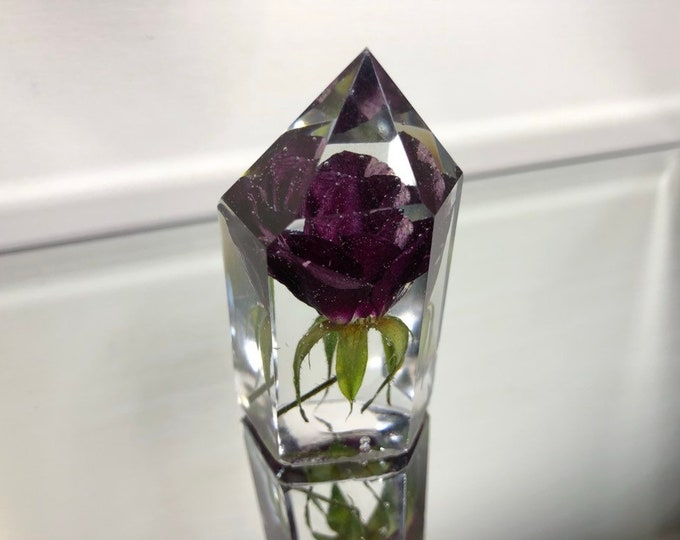 Red & Pink Striped Rose Crystal Tower 1