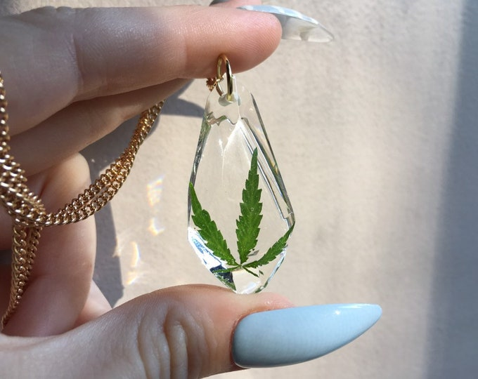 Weed Leaf Gem Crystal Pendant Necklace 1 - Long Gold Chain - Wooden Jewelry Box Included