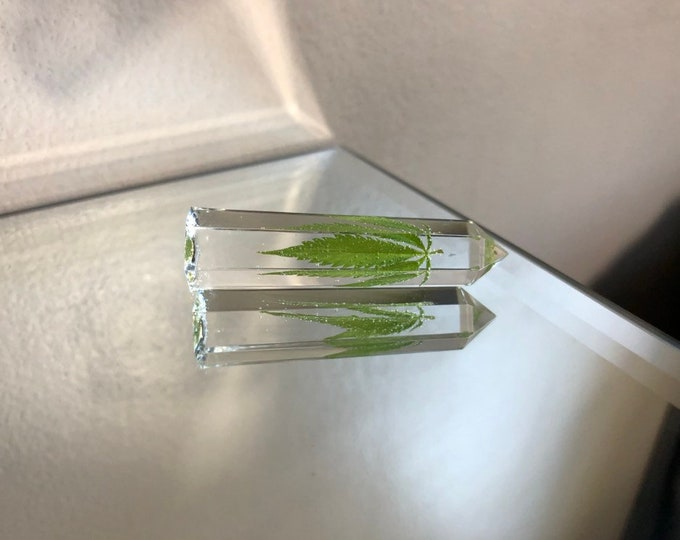 Weed Leaf Crystal Tower 1