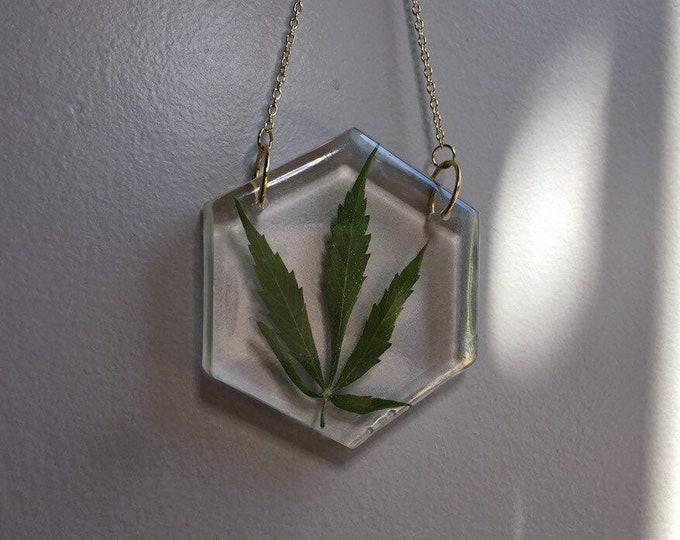 Weed Leaf Hexagon Suncatcher 3 - Gold Chain