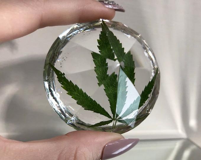 Weed Leaf Large Diamond Crystal