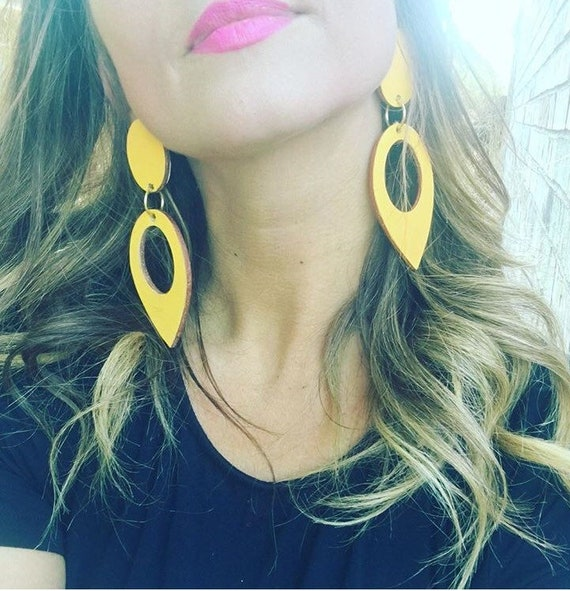 Feather Leather Eardrops in Yellow