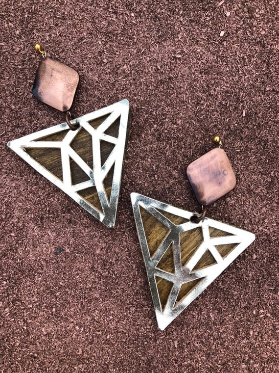 Geometric Triangle in Gold with Copper