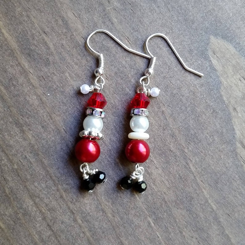 37b7387324bf1 Mr and Mrs Santa Claus Crystal Pearl Earrings