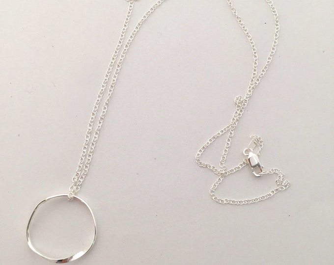 Sterling Silver Möbius Circle Pendant Necklace