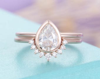 Moissanite engagement ring set Vintage Pear shaped cut Moissanite ring Solid 14K Gold Curved wedding women Bridal Jewelry Anniversary gift