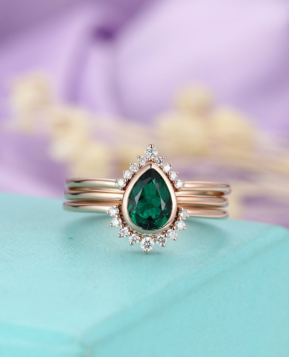Emerald Engagement Ring Set Pear Shaped Cut Wedding Bands Etsy