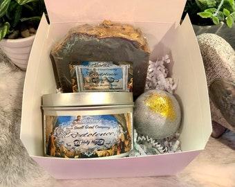 O Holy Night Gift Set 8oz. Natural Soy Candle, 6.5oz Artisan Bastille Soap, 3.5oz Natural Bath Bomb, Christmas, frankincense and myrrh, wise