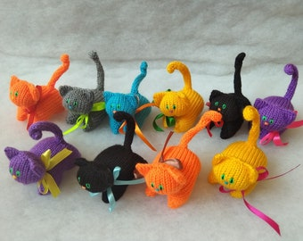 10 pcs Lot, Small Knitted Cats, Party Favours for Kids