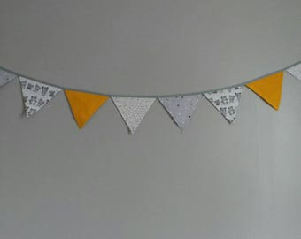 Garland pennants to decorate your baby's room or playroom