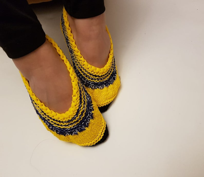 yellow slippers crocheted slippers Slippers warm slippers home shoes white house slippers house slippers size3740 non slip slippers