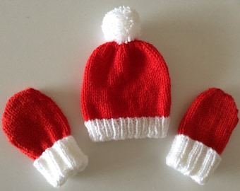 1392c9573f3 Red baby bobble hat   Mittens-Liverpool supporter-baby shower- newborn  gift- Baby Santa hat and mitts- Baby s first Christmas- Baby set.