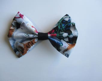 Cat print fabric hair bow hair accessory with alligator clip for girls and cat lovers.