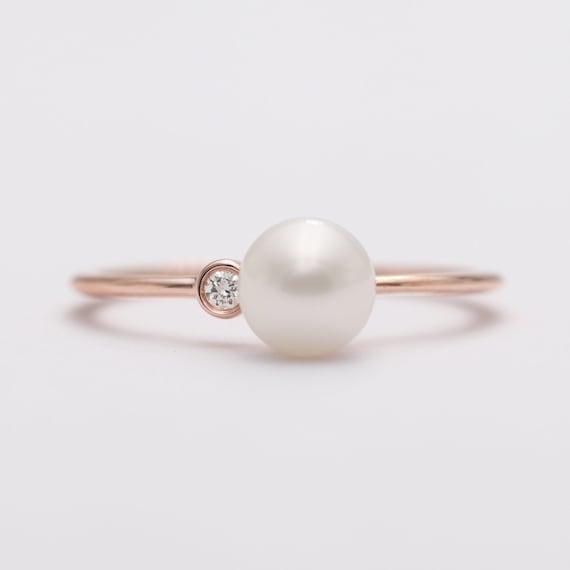 Natural Diamond Pearl Engagement Ring/ 14K Gold Ring with Pearl/June Birthday Gift/Pearl Engagement Ring/Diamond Ring/Engagement Wedding