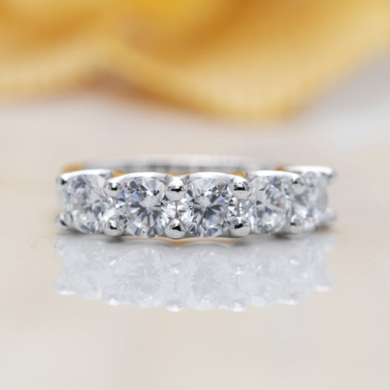 14k Five Stone Moissanite Wedding Band/Moissanite Ring/Perfect Matching Band for Any Engagement Ring/Stacking Ring/five Anniversary Band