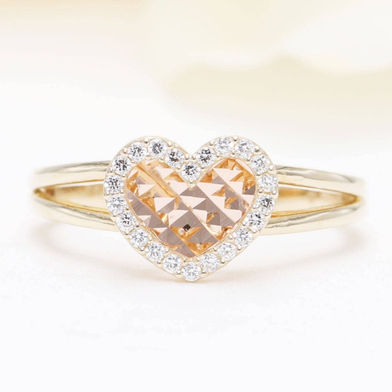 High Quality Diamond Heart shape 14k Yellow Gold Ring.  0.14CT image 0