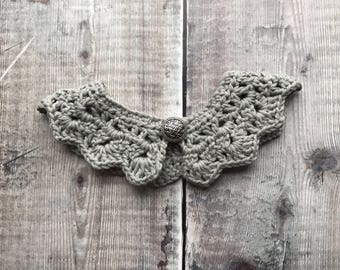 Peter pan collar with button - Crochet baby collar - handmade kids collar - childrens vintage style - baby shower gift - thin DK cotton