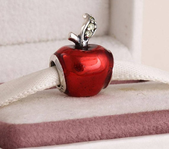 charm pandora disney pomme